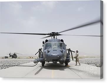 An Hh-60 Pave Hawk Lands After A Flight Canvas Print by Stocktrek Images