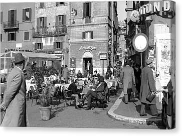 An Ordinary Day In Trastevere Canvas Print