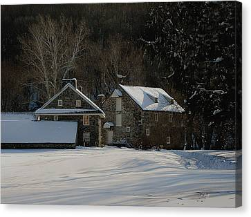 Andrew Wyeth Estate In Winter Canvas Print by Gordon Beck