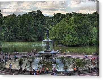 Angel Of The Waters Fountain  Bethesda Canvas Print by Lee Dos Santos