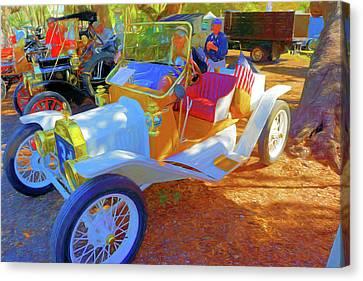 Antique Car At Vero Beach Car Show Canvas Print by Charles Haaland
