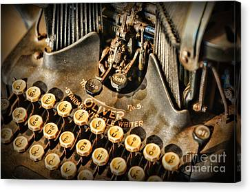 Antique Oliver Typewriter Canvas Print by Paul Ward