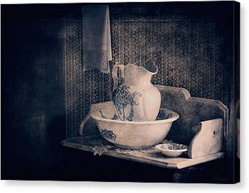 Antique Wash Basin And Pitcher  Canvas Print by Maria Angelica Maira