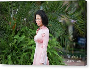 Ao Dai Beauty Hanoi  Canvas Print by Chuck Kuhn