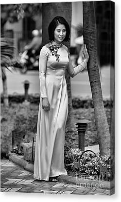 Ao Dai Black White II Canvas Print by Chuck Kuhn