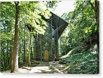 Canvas Print featuring the photograph Approaching Thorncrown Chapel by Cricket Hackmann