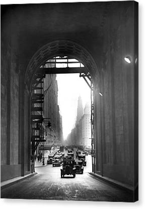 Arch At Grand Central Station Canvas Print by Underwood Archives