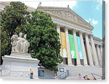 Archives Of The United States Of America -- Constitution Avenue Canvas Print by Cora Wandel