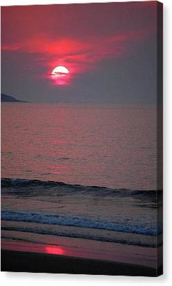 Canvas Print featuring the photograph Atlantic Sunrise by Sumoflam Photography