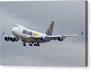 Atlas Air Boeing 747-47uf N415mc Phoenix Sky Harbor December 23 2015  Canvas Print by Brian Lockett