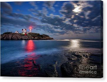 August Moon Canvas Print by Scott Thorp
