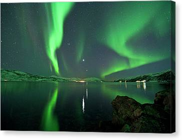 Aurora Borealis Canvas Print by Bernt Olsen