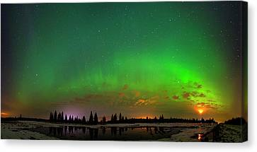 Canvas Print featuring the photograph Aurora Over Pond Panorama by Dan Jurak