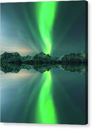 Aurora Powersurge Canvas Print