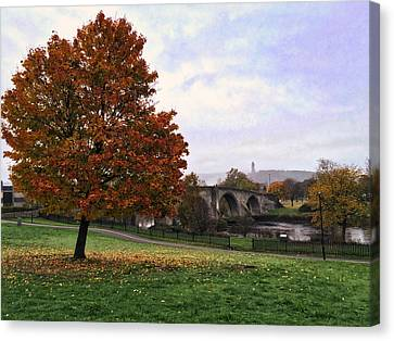 Canvas Print featuring the photograph Autumn At Stirling Bridge by RKAB Works