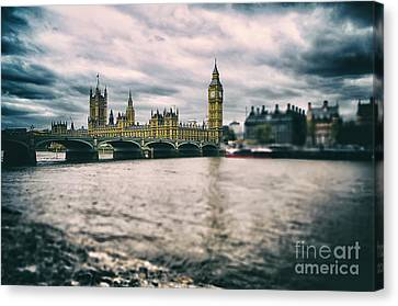 Back In London Canvas Print by Alessandro Giorgi Art Photography