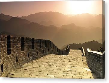 Badaling Great Wall, Beijing Canvas Print by Huang Xin