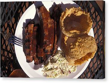 Barbeque Ribs Dinner At Sonny Bryans Canvas Print by Richard Nowitz
