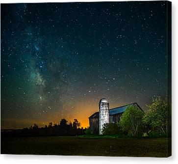 Barn Below The Heavens Canvas Print by Chris Bordeleau