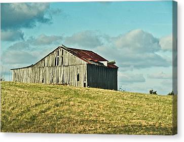 Barn In Ill Repir Canvas Print by Douglas Barnett