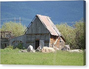 Barn In The Valley Canvas Print by Lucy Bounds