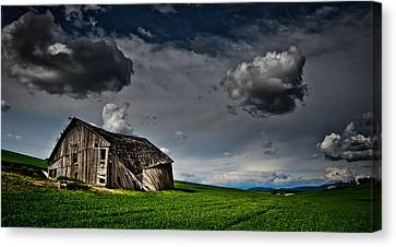 Barn No.1 Canvas Print by Niels Nielsen