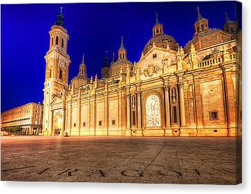 Basilica Del Pilar - Zaragoza Canvas Print by Nico Trinkhaus