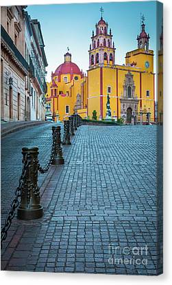 Basilica Of Our Lady Of Guanajuato Canvas Print