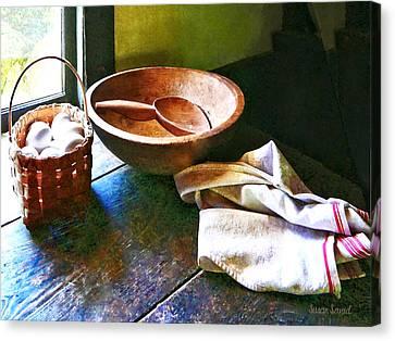 Basket Of Eggs Canvas Print by Susan Savad