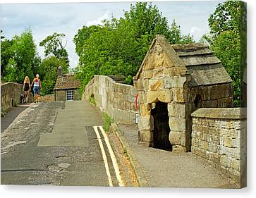 Baslow Bridge And Toll Shelter Canvas Print by Rod Johnson