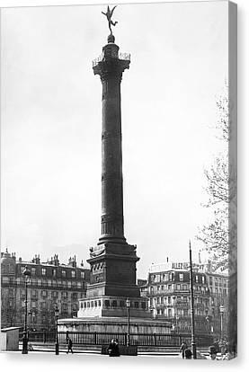 Bastille Monument In Paris Canvas Print by Underwood Archives