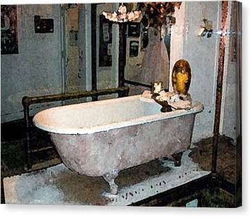 Bathtub Canvas Print by Gary Freeman