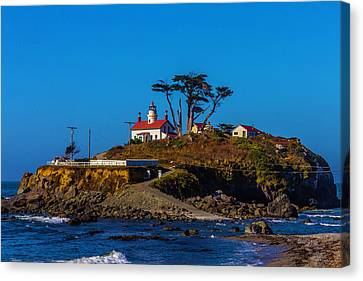 Battery Point Lighthouse Canvas Print by Garry Gay