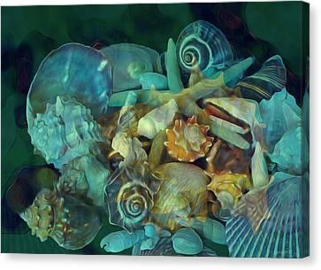 Canvas Print featuring the photograph Beach Beauty 10  by Lynda Lehmann