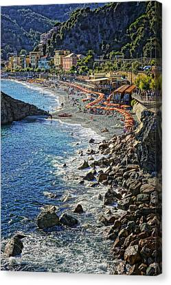 Beach Monterosso Italy Dsc02467 Canvas Print by Greg Kluempers