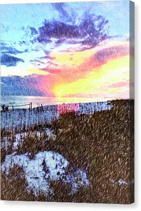 Beach Sunset Canvas Print by Susan Leggett