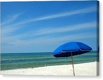 Beach Umbrella Canvas Print by Susanne Van Hulst