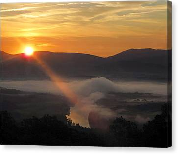 Beaming Shenandoah Canvas Print by Lara Ellis