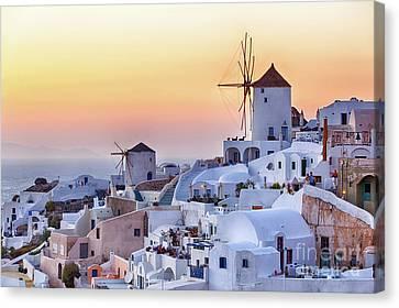 Beautiful Oia Village At Sunset In Santorini Canvas Print