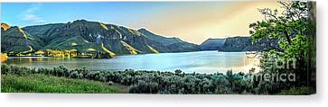 Beautiful Owyhee Reservoir Canvas Print by Robert Bales