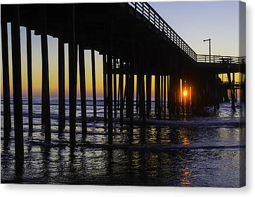 Beautiful Pismo Beach Sunset Canvas Print by Garry Gay