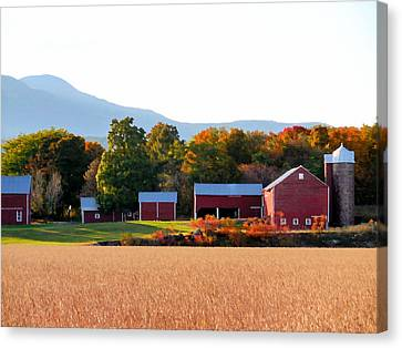 Beautiful Red Barn 4 Canvas Print