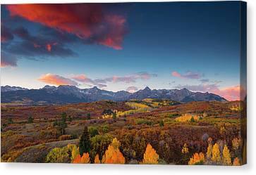Canvas Print featuring the photograph Beautiful Tints Of Autumn by Tim Reaves