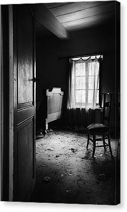 Canvas Print featuring the photograph Bed Room Chair - Abandoned Building by Dirk Ercken