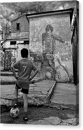 Belfast Boy In Memory Of George Best  Canvas Print by Donovan Torres
