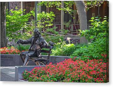 Ben Franklin On A Bench - University Of Pennlyvania Canvas Print