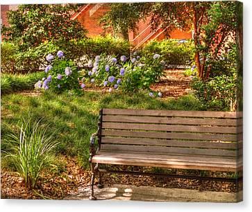 Benches Of Savannah Canvas Print by Linda Covino