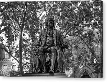 Benjamin Franklin Staue - University Of Pennsylvania In Black An Canvas Print by Bill Cannon