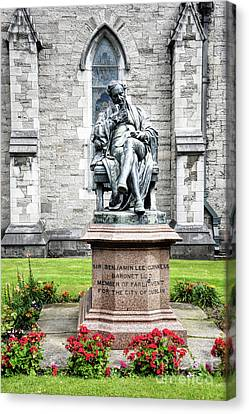 Benjamin Guiness Statue At St Patricks Cathedral Dublin Ireland Canvas Print