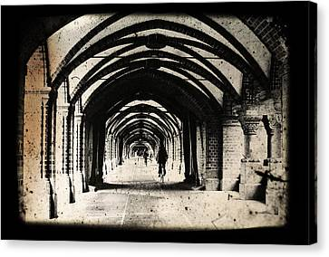 Berlin Arches Canvas Print by Andrew Paranavitana